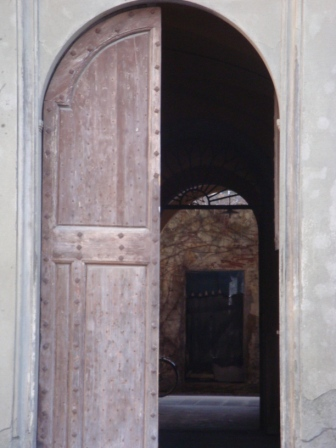 A door to a door in Pisa