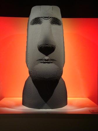 Lego Moai